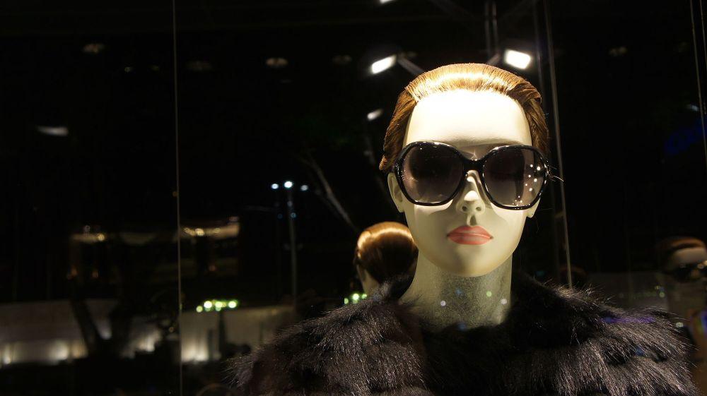 Beautiful_Mannequin_Woman